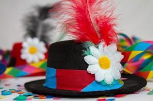 hat-3075875_1280