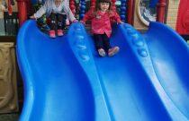 Misie-Pierwsze zabawy na placu zabaw!/Bears- First adventures on the playground!