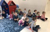 Jeżyki – zajęcia gimnastyczne/ Hedgehogs – gymnastics classes
