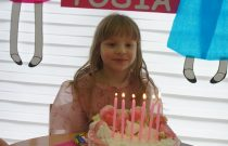 Żabki – Tort urodzinowy Tosi / Frogs – Tosia's birthday cake